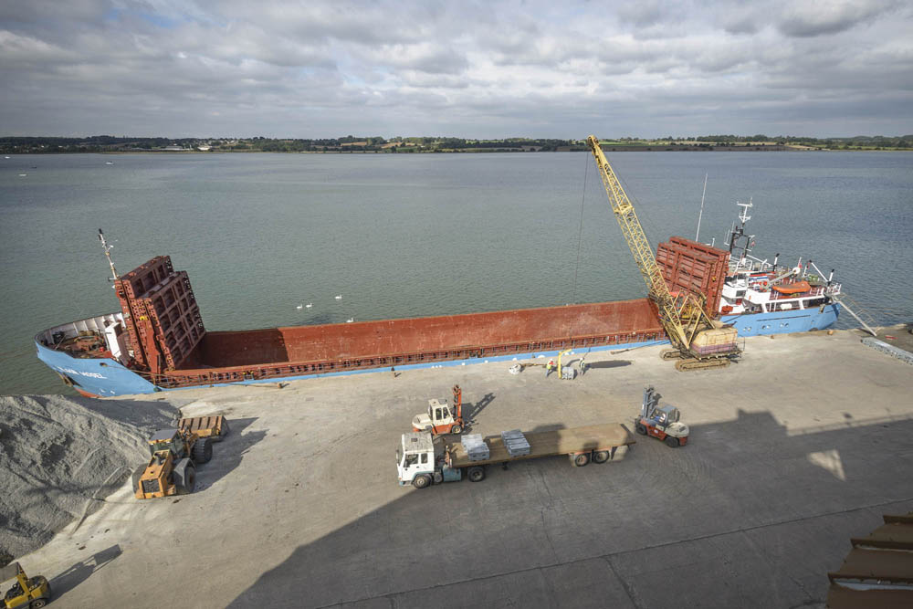 Port Of Mistley - Mistley Quay - Moving 60,000 mt Coastwise